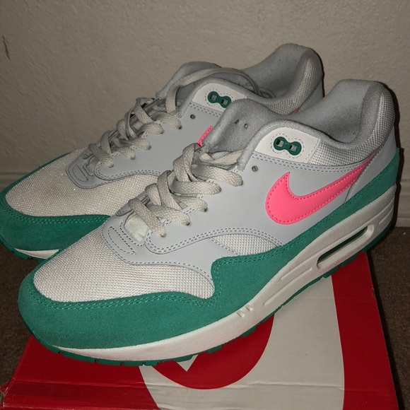 dd5f5cf6a866 Nike air max 1 watermelon south beach🔥. M 5b995a939fe4860840e2b32b